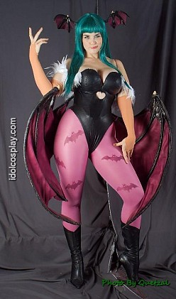 Morrigan Doesn't Care | Darkstalkers Hentai Cosplay
